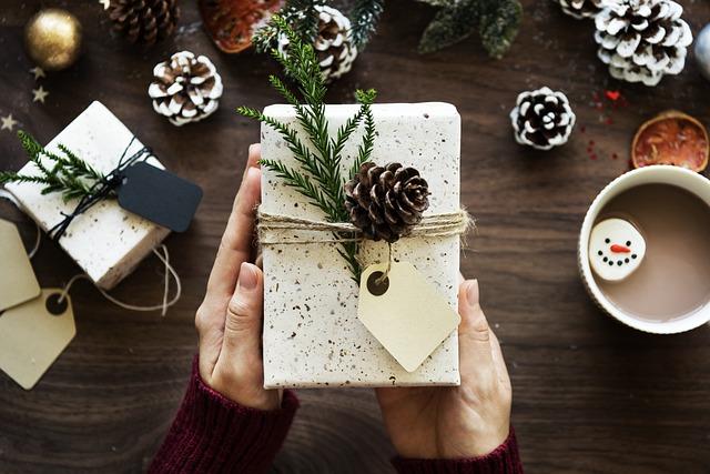Davčna obravnava daril - obdavčitev daril